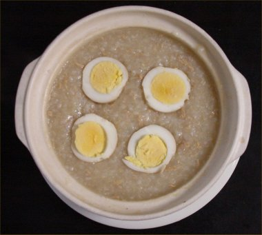 [ Porridge of eggs, tuna and barley ]